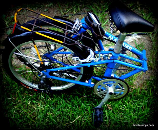 Picture of Dahon Mariner folded for bike travel