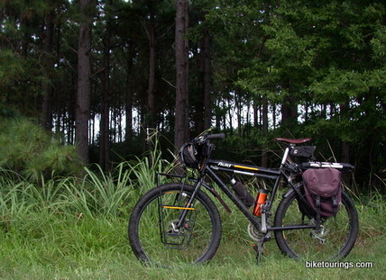 Picture of touring bike with camera equipment and panniers
