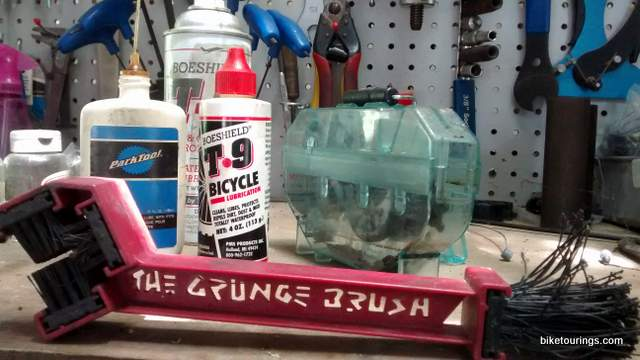 Picture of bike chain cleaning and lube
