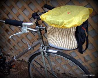 Picture of Detours Handlebar Basket with rain cover for touring and commuter bikes