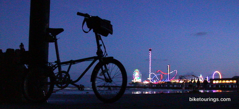 Picture of Dahon Mariner on beach