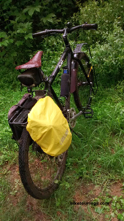 Picture of CamelBak Rain Cover on bike pannier for commuter bike and bike touring