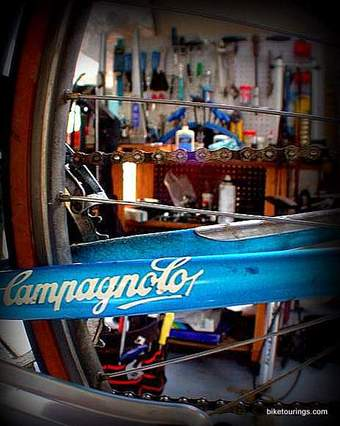 Picture of bike chain on bike with Campagnolo frame