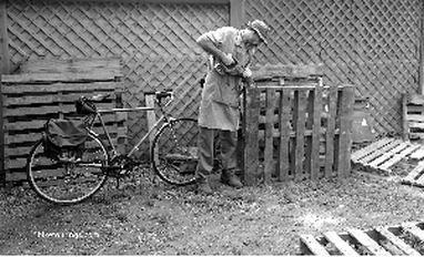 Picture of commuter bike and wood worker