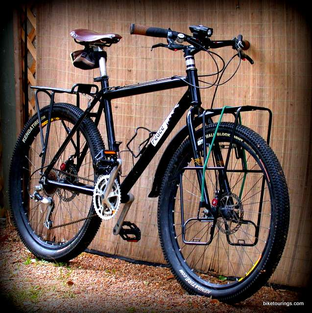 Picture of mountain bike for touring and commuting
