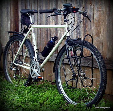 Picture of classic commuter touring bike