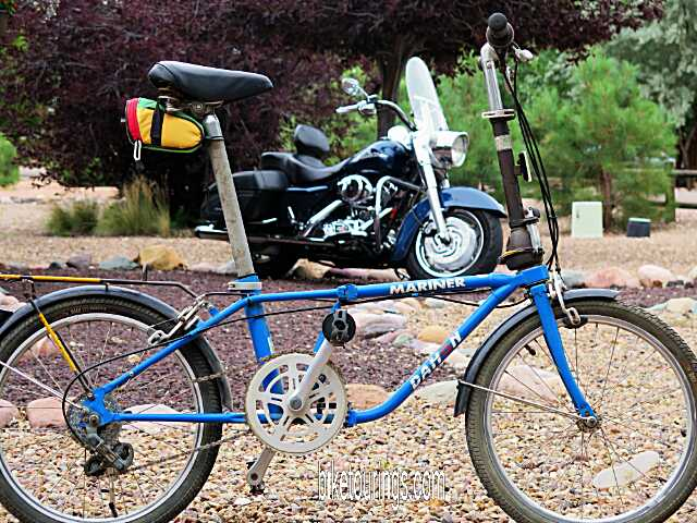 Picture of vintage Dahon Mariner folding bicycle for bike touring or commuting